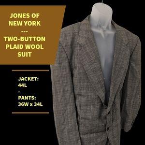 JONES OF NEW YORK WOOL 2-BTN SUIT